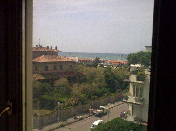 Квартира в Виареджо, Италия, 135 м2 - фото 1