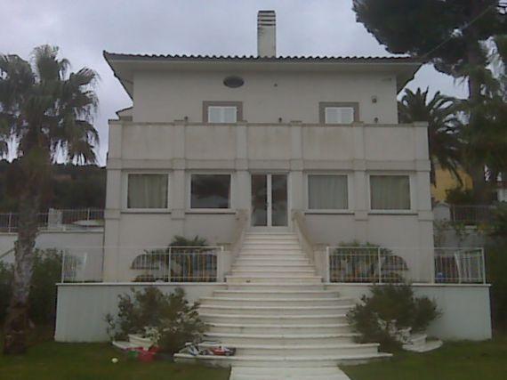 Вилла в Ливорно, Италия, 400 м2 - фото 1
