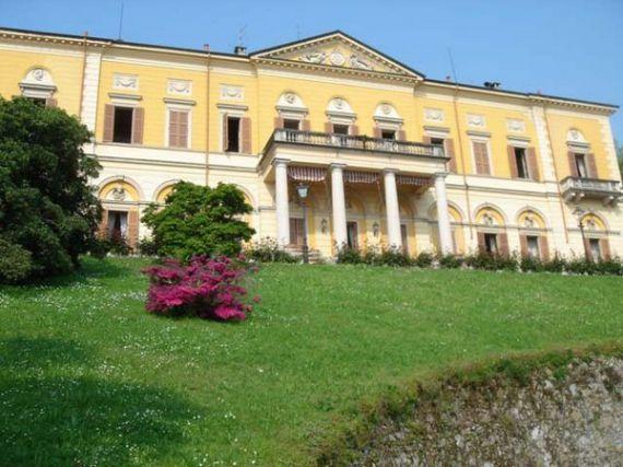 Отель, гостиница у озера Маджоре, Италия, 2850 м2 - фото 1