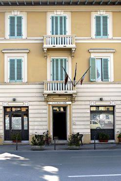 Отель, гостиница в Виареджо, Италия, 400 м2 - фото 1