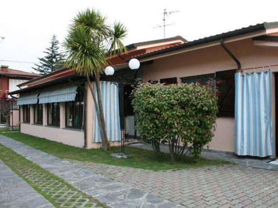 Вилла в Марина ди Пьетрасанта, Италия, 150 м2 - фото 1