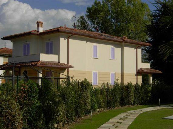 Вилла в Марина ди Пьетрасанта, Италия, 165 м2 - фото 1