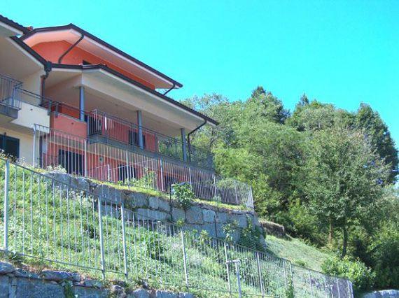 Вилла у озера Маджоре, Италия, 206 м2 - фото 1