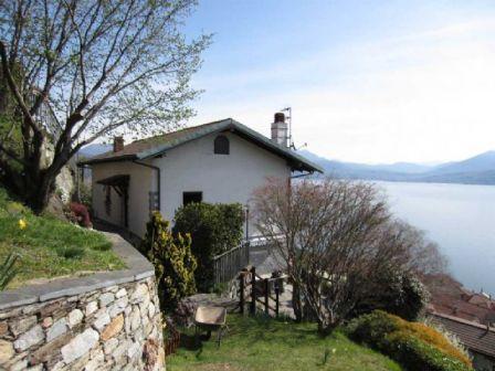 Вилла у озера Маджоре, Италия, 180 м2 - фото 1