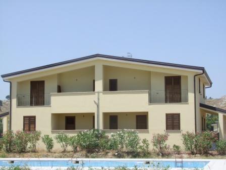 Апартаменты в Каулонии, Италия, 54 м2 - фото 1