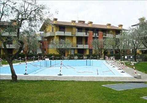 Квартира у озера Гарда, Италия, 65 м2 - фото 1