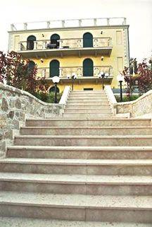 Квартира Озеро Гарда, Италия, 150 м2 - фото 1