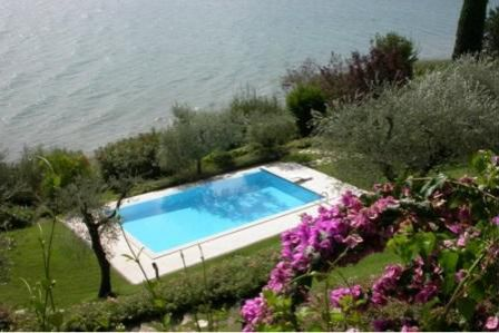 Вилла у озера Гарда, Италия, 650 м2 - фото 1