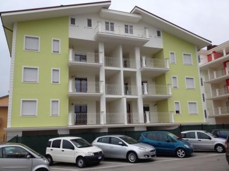 Отель, гостиница в Абруццо, Италия, 674 м2 - фото 1