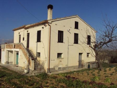 Вилла в Терамо, Италия - фото 1