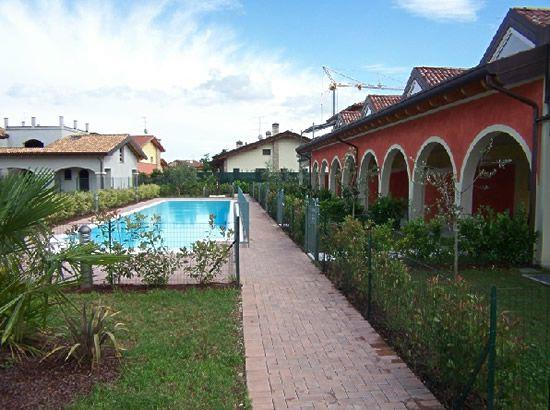 Квартира у озера Гарда, Италия, 230 м2 - фото 1