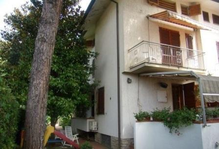 Квартира в Камайоре, Италия, 200 м2 - фото 1