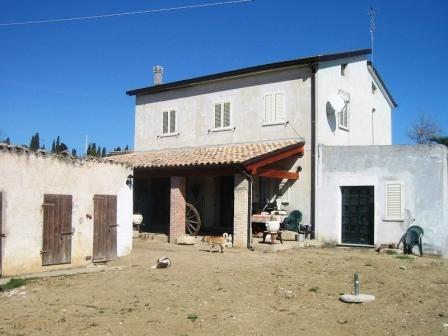 Вилла в Абруццо, Италия, 160 м2 - фото 1