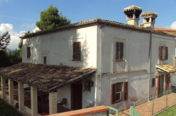 Апартаменты в Абруццо, Италия, 210 м2 - фото 1