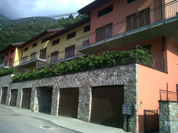 Квартира у озера Комо, Италия, 71 м2 - фото 1