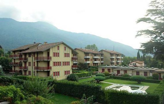Квартира у озера Комо, Италия, 60 м2 - фото 1