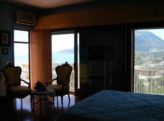 Квартира в Палермо, Италия, 205 м2 - фото 1