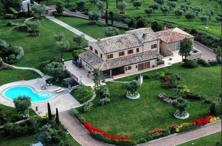Вилла в Абруццо, Италия, 929 м2 - фото 1