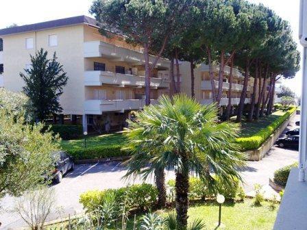 Квартира в Сан-Винченцо, Италия, 65 м2 - фото 1