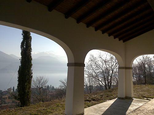 Вилла Озеро Комо, Италия, 400 м2 - фото 1