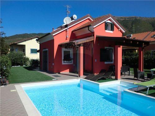 Вилла в Альбенге, Италия - фото 1