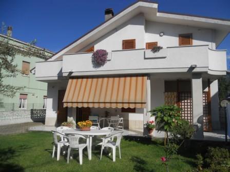 Квартира в Абруццо, Италия, 320 м2 - фото 1