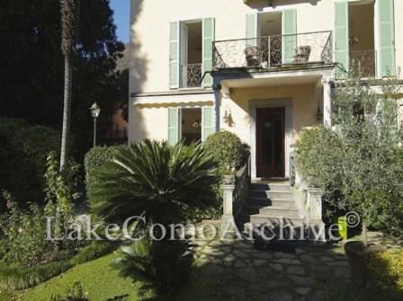 Вилла у озера Комо, Италия, 488 м2 - фото 1