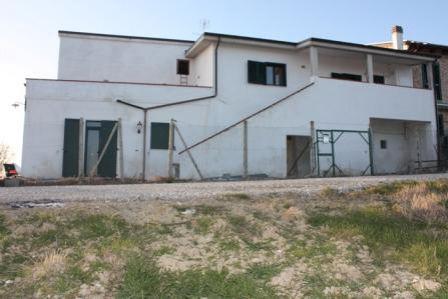 Квартира в Абруццо, Италия, 460 м2 - фото 1