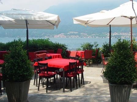 Отель, гостиница у озера Комо, Италия - фото 1
