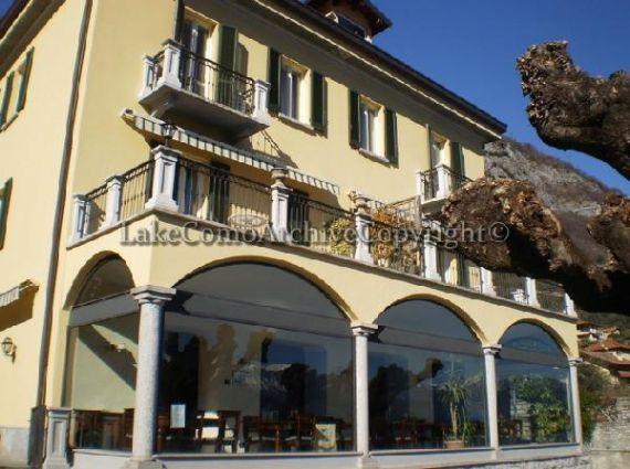 Отель, гостиница у озера Комо, Италия, 920 м2 - фото 1