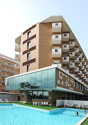 Отель, гостиница в Милано Мариттима, Италия - фото 1
