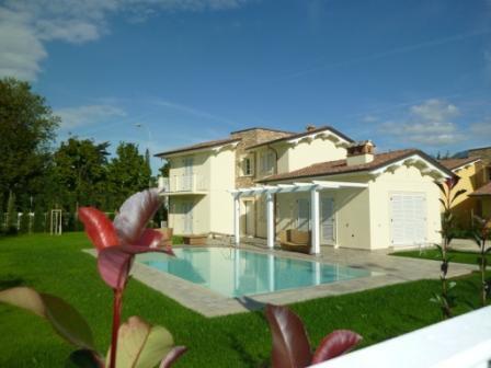Апартаменты в Марина ди Пьетрасанта, Италия, 207 м2 - фото 1