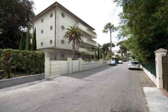 Апартаменты в Марина ди Пьетрасанта, Италия, 120 м2 - фото 1
