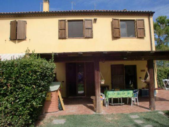 Квартира в Марке, Италия, 130 м2 - фото 1