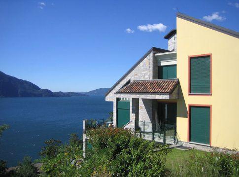 Вилла у озера Маджоре, Италия, 325 м2 - фото 1