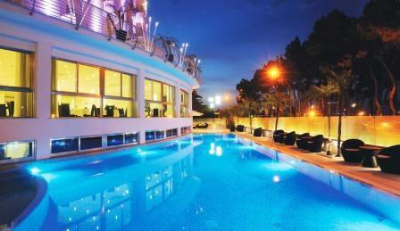Отель, гостиница в Пескаре, Италия - фото 1