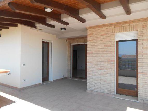 Квартира в Абруццо, Италия, 80 м2 - фото 1