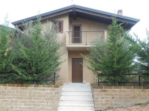 Квартира в Абруццо, Италия, 130 м2 - фото 1