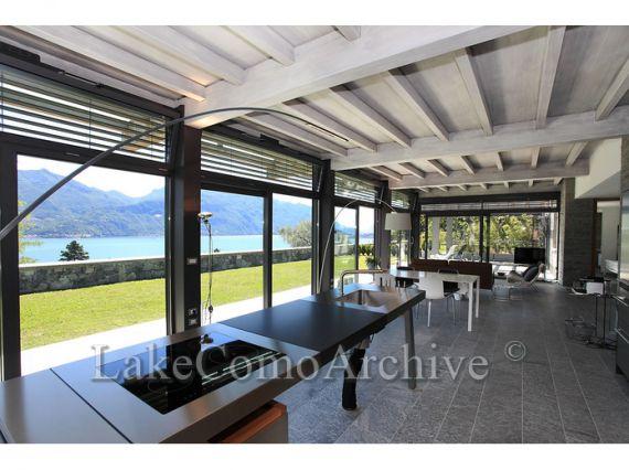 Квартира Озеро Комо, Италия, 160 м2 - фото 1