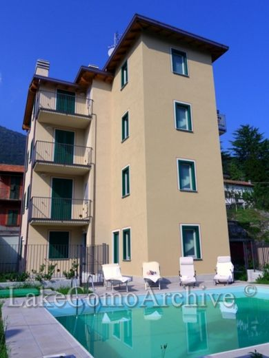 Апартаменты у озера Комо, Италия, 30 м2 - фото 1