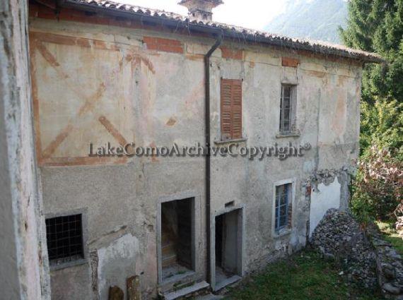 Квартира у озера Комо, Италия, 300 м2 - фото 1