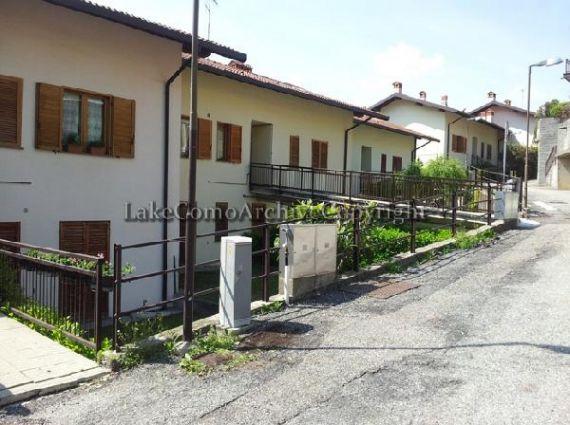 Квартира у озера Комо, Италия, 85 м2 - фото 1