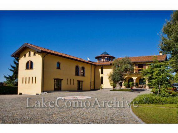 Вилла Озеро Комо, Италия, 700 м2 - фото 1
