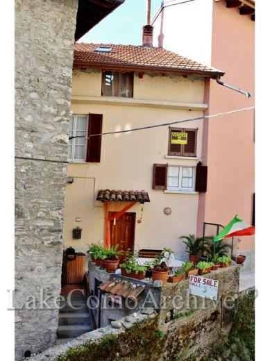Квартира у озера Комо, Италия, 124 м2 - фото 1