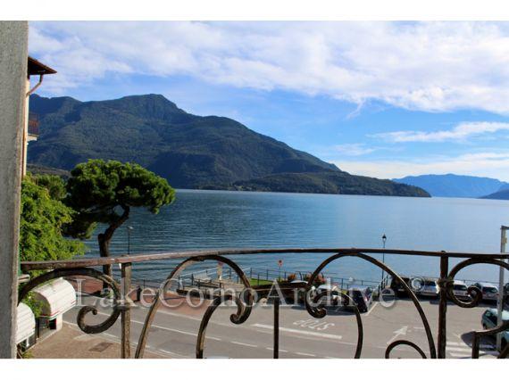 Квартира у озера Комо, Италия, 160 м2 - фото 1