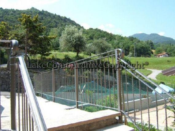 Квартира у озера Комо, Италия, 83 м2 - фото 1