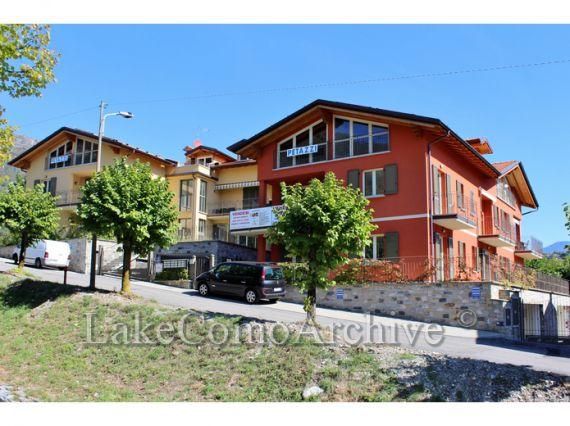 Апартаменты у озера Комо, Италия, 39 м2 - фото 1