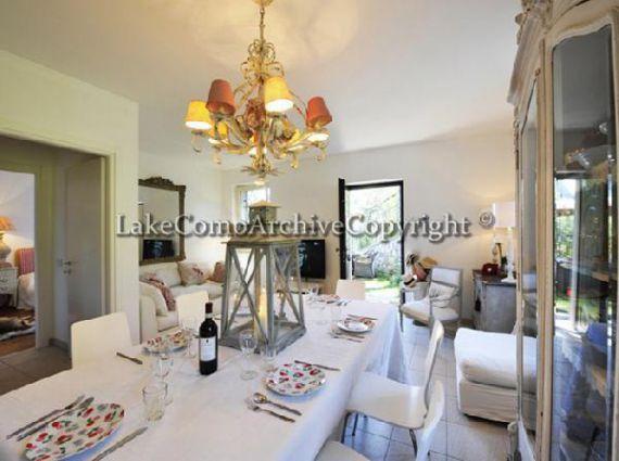 Квартира Озеро Комо, Италия, 76 м2 - фото 1