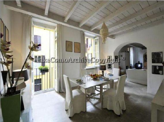 Квартира у озера Комо, Италия, 140 м2 - фото 1