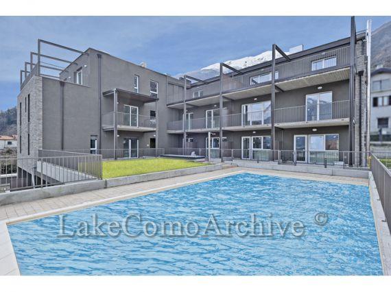 Апартаменты у озера Комо, Италия, 54 м2 - фото 1